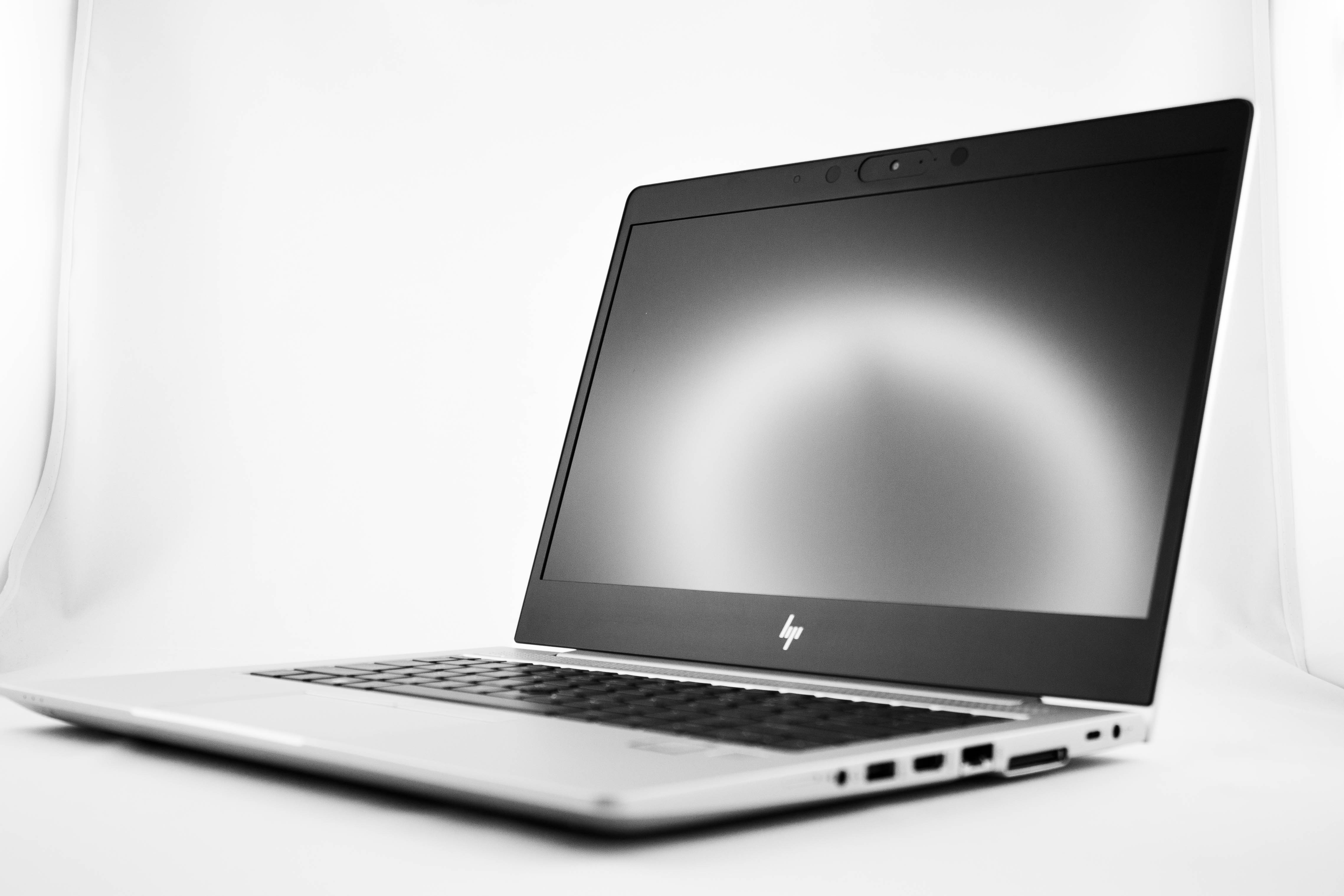 HP Elitebook 830 G6 [B26XD20EA] bok